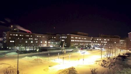 VOLDTATT HER: Den 37 år gamle kvinnen var pasient ved allmennpsykiatrisk klinikk her ved Universitetssykehuset i Tromsø. Nå akter fylkeslegen å granske saken. (Foto: Tom Benjaminsen/NTB scanpix)