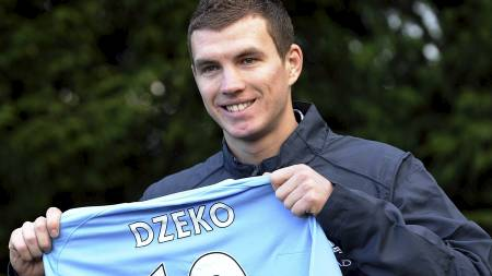 Edin Dzeko får sin mest sannsynlig sin debut mot Wolves. (Foto: PAUL ELLIS/Afp)