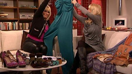 Buksedress fra den nye kolleksjonen Glamour fra H&M. Kolleksjonen er inspirert av Studio 54, og kommer i utvalgte H&M-butikker i uke 10.  (Foto: God morgen Norge)
