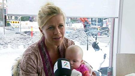 NYBAKT MOR: Nybakt mor Anne Jahr Hegdahl kan ikke forstå hvordan dette kan føre til et sorteringssamfunn.  (Foto: TV 2)