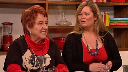 Eva Thoresen og Line Farstad er to av Jan Thomas' elever i stylingskolen som er en del av den nye sesongen av Happy Day.  (Foto: TV 2)