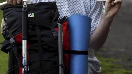 KLAR FOR TUR: En dag etter uhellet vil Adam ut på klatretur igjen. (Foto: Danny Lawson/Pa Photos)
