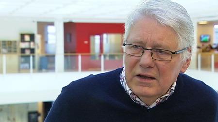 Jusprofessor Kristian Anden mener UNE har blitt altfor strenge i sin praksis, i frykt for at for mange skal få opphold i Norge.  (Foto: TV 2)