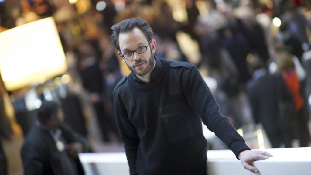 KONKURRENT: Daniel Domscheit-Berg er en av de som står bak OpenLeaks, en ny varslernettside som vil være en konkurrent til WikiLeaks. Bildet er tatt 29. januar under det økonomiske toppmøtet i Davos, hvor han deltok i en pressekonferanse. (Foto: JOHANNES EISELE/Afp)