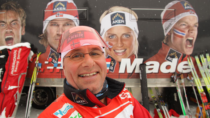 Egil Svartdahl prøver seg som skismører for landslaget. (Foto: Vidvinkel Media)