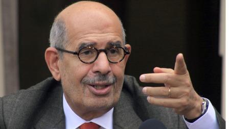 VIL HA FREDELIG LØSNING: Visepresident ElBaradei sier han jobber hardt på flere plan for å få en fredelig slutt på konfrontasjonene i Egypt.  (Foto: AP)