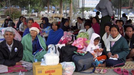 Landsbybeboere ved grensen mellom Thailand og Kambodsja måtte flykte fra kampene fredag og lørdag.   (Foto: SCANPIX)