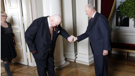 Tylden får Kongens fortjenestmedalje i gull (Foto: Åserud, Lise, ©LIA / ifs)