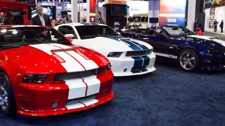 Nå finnes Shelby GT 350 i de hitoriske fargene rød, hvit og blå.