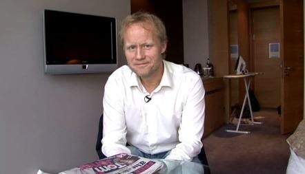 Øyvind Alsaker er en av TV 2s fotballkommentatorer og anbefaler kylling og chilli som pausemat.