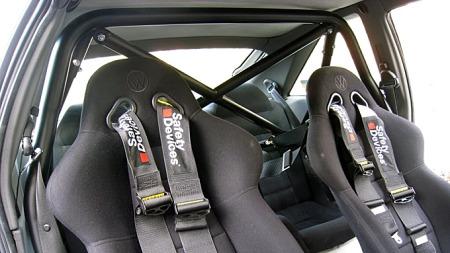Bilen er forberedt på tøff kjøring. Foto: Privat