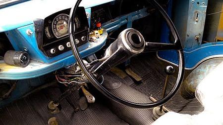 Det var langt mellom airbagene i gamle italienske varebiler. Foto: Privat