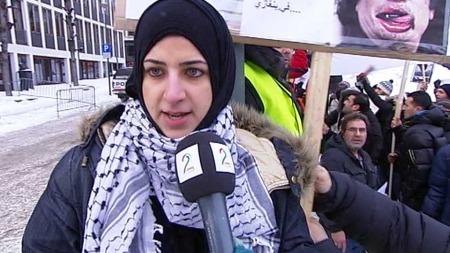 VISTE SIN STØTTE TIL DET LIBYSKE FOLKET: Fatima Khalil. (Foto: Stein Akre)