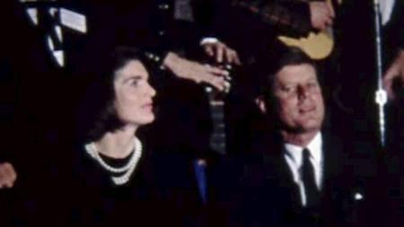 I den hittil ukjente videoen kan en se president John F. Kennedy og førstedame Jacqueline Kennedy kvelden før presidenten ble drept. (Foto: AP Photo/The Sixth Floor Museum at Dealey Plaza/Ap)