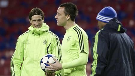 Fernando Torres og John Terry. (Foto: KELD NAVNTOFT/Afp)