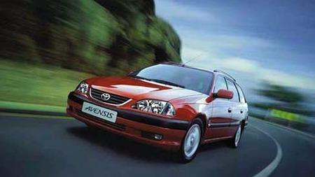 toyota-avensis-wagon-2000-2