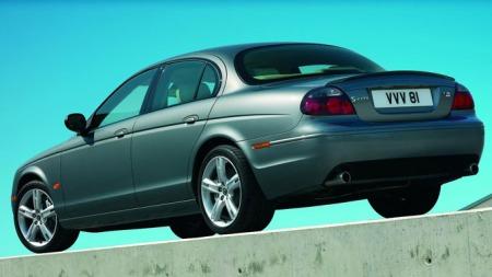 Jaguar-S-Type-bakfra