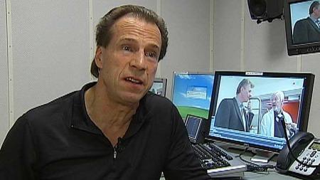 SKJØNNER INGENTING: Jan Bøhler (Ap) synes det er utrolig at den moderne avdelingen ikke blir brukt. (Foto: TV 2)