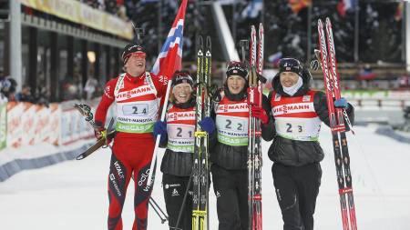Tora Berger, Ann Kristin Aafedt Flatland, Ole Einar Bjørndalen og Tarjei Bø. (Foto: Scanpix/)
