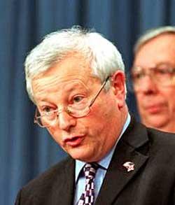 Tidligere forsvarsminister William Bach. (Foto: Department of   Defense)