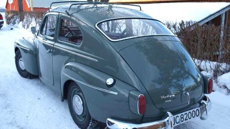 Volvo PV hadde nokså gammeldags fasong allerede i 1959, men folk likte den og bilene ble solgt parallelt med den mer moderne utseende Amazon helt til produksjonen opphørte i 1965.  (Foto: Dag Skoglund)