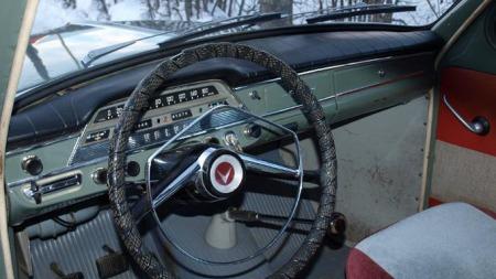 Eieren trives med det store rattet med «rattrekk» og enkel instrumentering. Med 544 fikk PV nytt og polstret dashbord. Kjells bil fikk nye gummimatter og nye varetrekk til 50-årsdagen sin.  (Foto: Dag Skoglund)