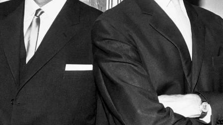 Per Borten sammen med daværende statsminister Einar Gerhardsen. (Foto: Scanpix/SCANPIX)