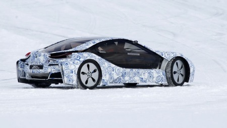 Bilen skal bygges i lettvektsmateriale, blant annet med en kupe i plastikk. Men ikke hvilken som helst plastikk. (Foto: Scoopy)