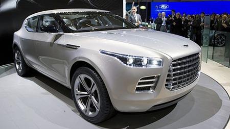 Nye markeder med sportsbil-fiendtlig veinett og klimaforhold har aktualisert planene om en egen Lagonda-serie av biler med fokus på luksus og komfort, mer enn Aston Martins tradisjonelle sportslighet.