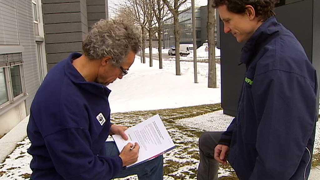 KREVER OLJESAND-STANS: Rasmus Hansson og Truls Gulowsen. (Foto: TV 2)