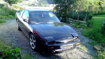 Målet er å få bilen EU-godkjent. Det trengs litt småfiks. (Foto: Privat)