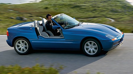 BMWs lille Z1-roadster fra 1988-1991 hadde motoriserte dører, og kan meget vel ha vært inspirasjonskilden for Lincolns konseptbil basert på en 1993 Mark VIII.