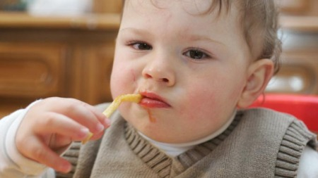 Stadig flere barn får matallergier, viser amerikansk forskning. (Illustrasjonsfoto)  (Foto: colourbox.com)