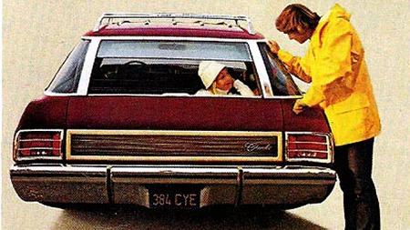 1973 Chevrolet Caprice med såkalt clamshell-bakluke: På første nøkkelposisjon gikk glasset opp i taket...