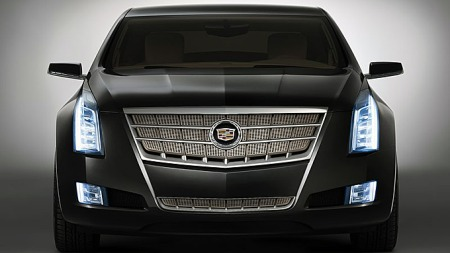 Cadillac har klart å skape en klar design-identitet de siste årene. De skarpe kantene videreføres og lager en ganske majestetisk front. Foto: Netcarshow.com