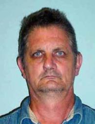 MUGSHOT: Robert Dicks, tidligere døømt for overgrep mot barn,   er utsatt for en noe bisarr spøk. (Foto: The Smoking Gun)