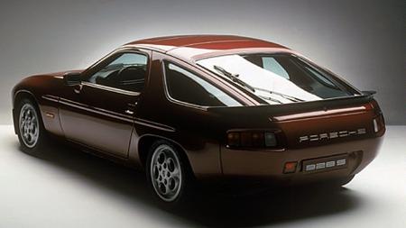 Porsche 928S. Litt misforstått, og ganske undervurdert da den var ny. Men så tidløs i designet at det burde vært mulig å lage en hypermoderne versjon nesten identisk?