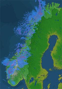 Radarbildet fra klokken 15.30 viser at det bare er Østlandet og Øst-Finnmark som slipper unna nedbøren. (Foto: Storm.no)