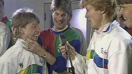 Fra innspillingen av den danske landslagslåten ReSeppten i 1986. (Foto: TV 2/)