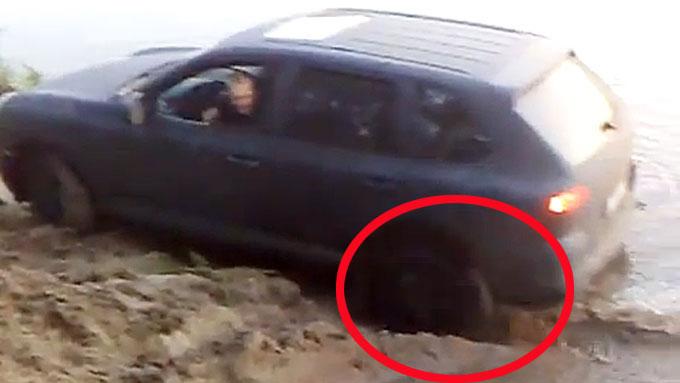 Det kaller vi å stå skikkelig fast! Bilde fra www.youtube.com.