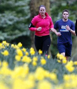 På løpetur i Sefton park i Liverpool 21. mars. (Foto: Pa Photos)