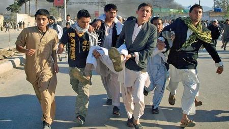 afghanistan angrep fn mazar-i sharif (Foto: AP)