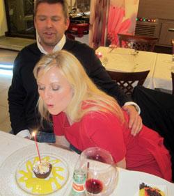 Kake med lys må til! (Foto: Privat)