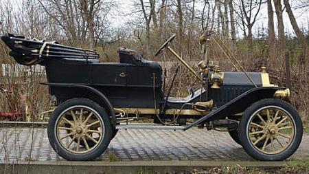 På ett eller annet tispunkt har bilen blitt importert fra USA til Danmark. Derfra importerte dagens eier den til Norge i 2008. Foto: Privat