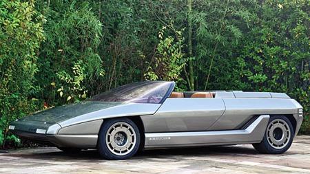Lamborghini Athon ble ikke vurdert som vakker da den kom i 1980. Men særpreget er der i rikt monn. (Foto: Tom Wood ©2011 Courtesy of RM Au)