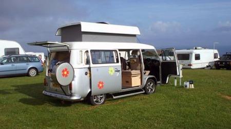 VW-T2-camper-Campingplass