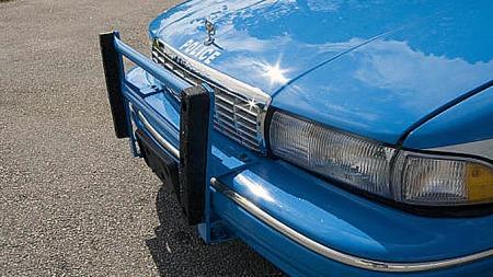 Bjørn Christian undersøker mulighetene for å få bilen godkjent som bevaringsverdig med alt spesialutstyret intakt. Foto: Privat
