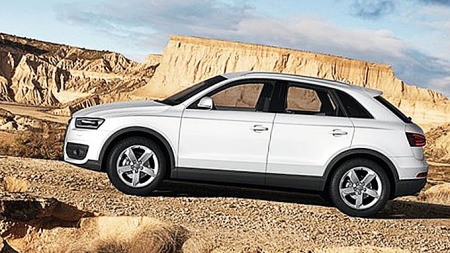 Audi-Q3_side