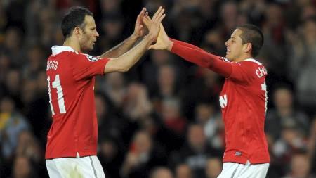FORNØYD: Ryan Giggs sammenligner Javier Hernandez med Ole Gunnar Solskjær. (Foto: ANDREW YATES/Afp)
