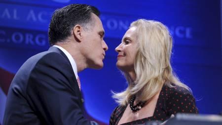 NESTE PAR INN? Hvis alt går som Mitt Romney vil, blir det han og konen Ann som flytter inn i Det hvite hus etter valget i 2012. (Foto: Olivier Douliery/Pa Photos)